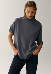 Massimo Dutti - MIT STEHKRAGEN - Long sleeved top - grey - 0