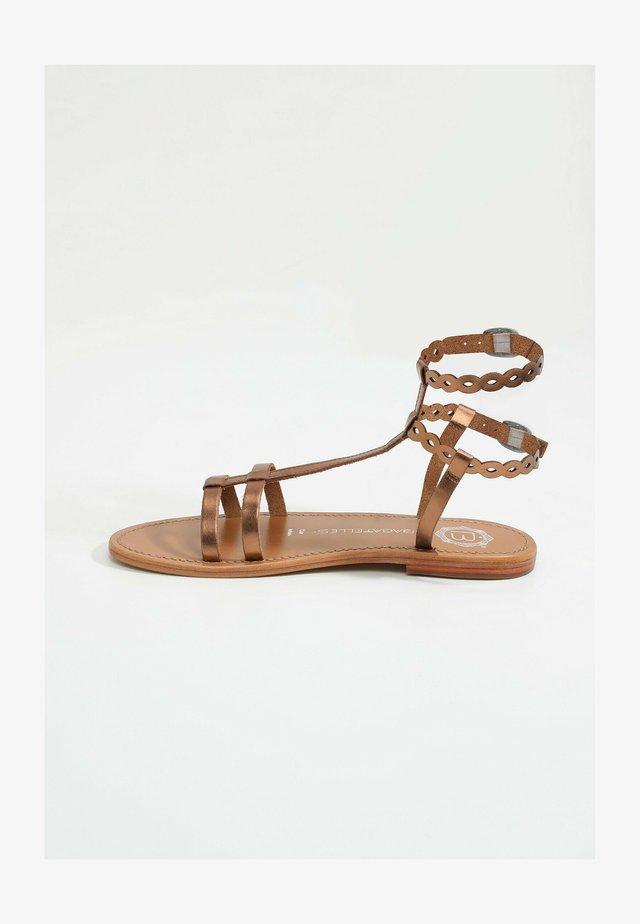 Sandalen met enkelbandjes - copper