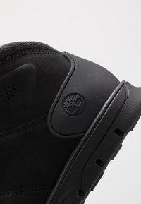 Timberland - BRADSTREET HIKER - Botines con cordones - black - 5