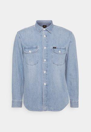 WORKER - Overhemd - frost blue
