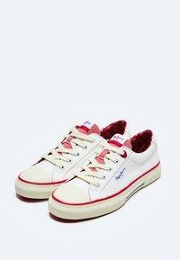 Pepe Jeans - KENTON LONDON - Trainers - off white - 2