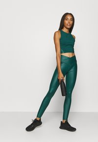 South Beach - SHINE LONGLINE MUSCLE BACK TOP - Toppe - deep green - 1