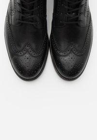 Marc O'Polo - LACE UP BOOT - Šněrovací kotníkové boty - black - 4