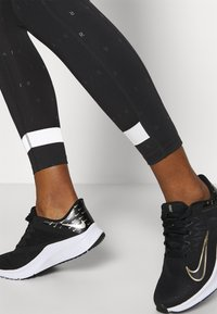 Nike Performance - AIR 7/8 - Tights - black - 4