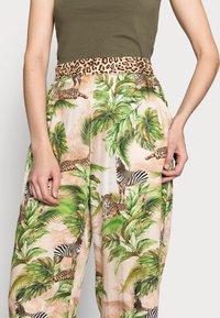 Emily van den Bergh - Trousers - multi-coloured - 3