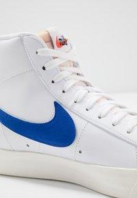 Nike Sportswear - BLAZER MID '77 UNISEX - High-top trainers - white/racer blue/sail - 2