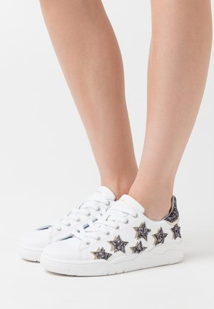 ROGER SHADE STARS - Sneakers basse - white/silver