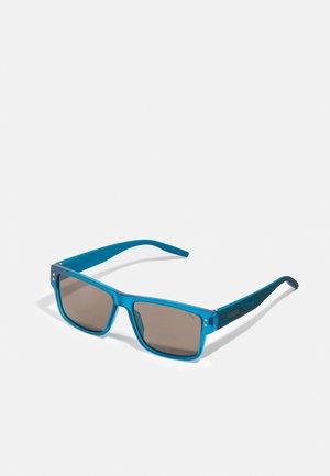 Sunglasses - blue/smoke
