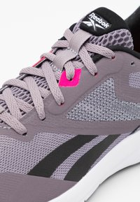 Reebok - RUNNER 4.0 - Zapatillas de running neutras - gravity grey/black/proud pink - 5