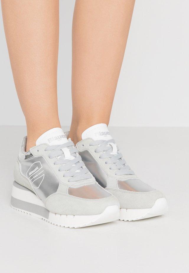 CHARLOTTE - Sneakersy niskie - silver