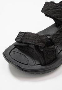 Hi-Tec - ULA RAFT JR - Walking sandals - black - 2