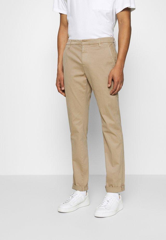 PANTALONE GAUBERT - Pantalones chinos - beige