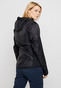 Vaude - WOMENS SESVENNA JACKET III - Outdoor jacket - black - 2