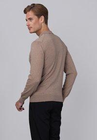 Basics and More - Jumper - light brown melange - 3