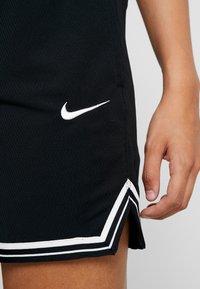 Nike Performance - ELITE SHORT - Sports shorts - black/white - 4