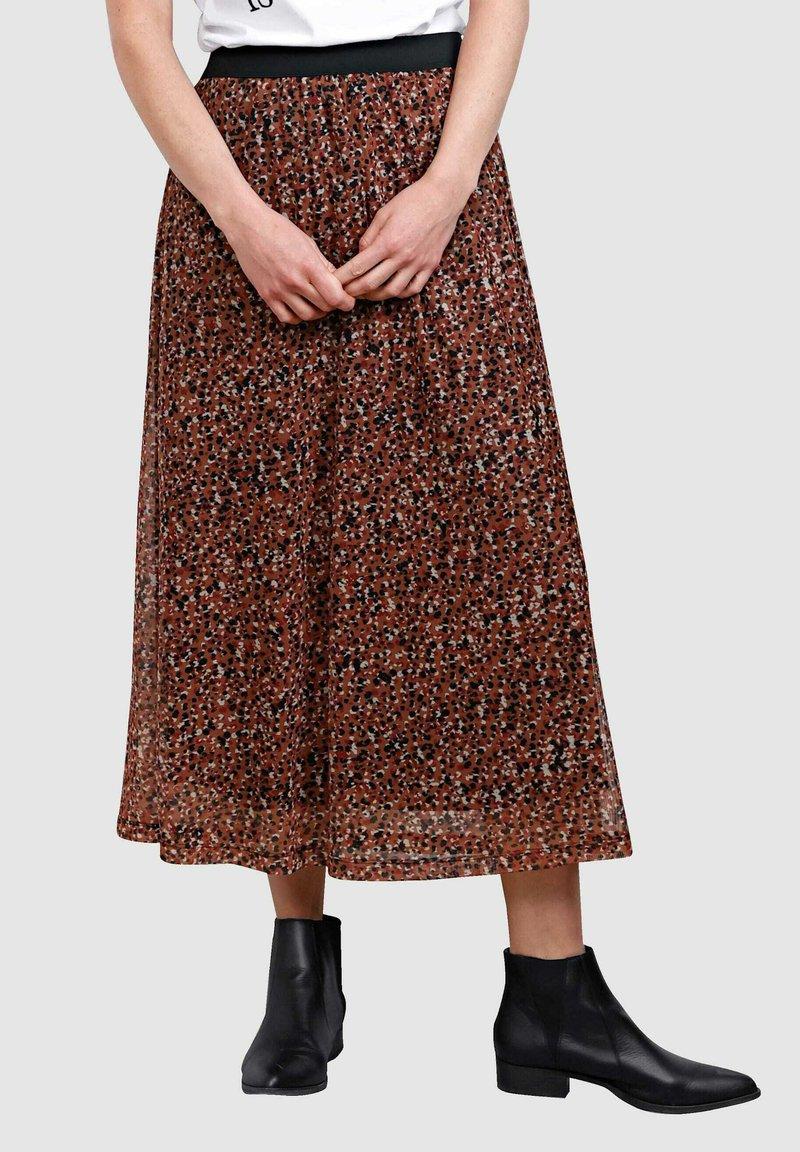 Laura Kent - Pleated skirt - haselnuss