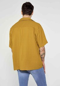 MDB IMPECCABLE - Shirt - ochre - 2