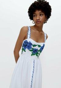 Uterqüe - MIT KREUZSTICH - Day dress - multi coloured - 4