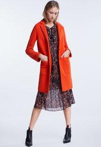 SET - Classic coat - poinciana - 1