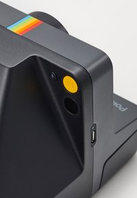 Polaroid - NOW - Camera - black - 5