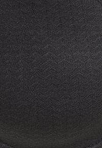 Chantelle - CHIC ESSENTIAL BEDECKENDER SPACER - Underwired bra - schwarz - 6
