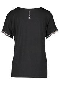 Gerry Weber - Print T-shirt - shell schwarz tangerine druck - 3