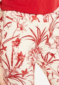 comma - MIT BLUMENMUSTER - Trousers - shell porcelain flower - 4
