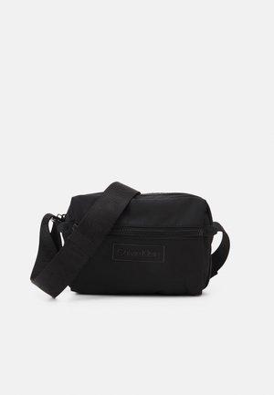 CODE CAMERA BAG - Sacoche d'appareil photo - black