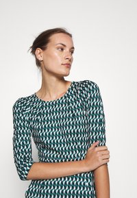 King Louie - MONA DRESS - Jersey dress - peridot green - 3