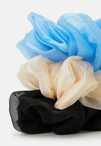 Pieces - PCPAXTON OVERSIZED SCRUNCHIE 3 PACK - Haar-Styling-Accessoires - black/blue/white - 1