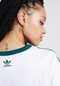 adidas Originals - REGULAR TEE - T-shirts print - white - 4