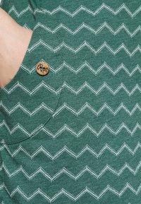 Ragwear - TAG CHEVRON - Jerseyjurk - dark green - 3