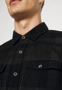 s.Oliver - Shirt - black - 6