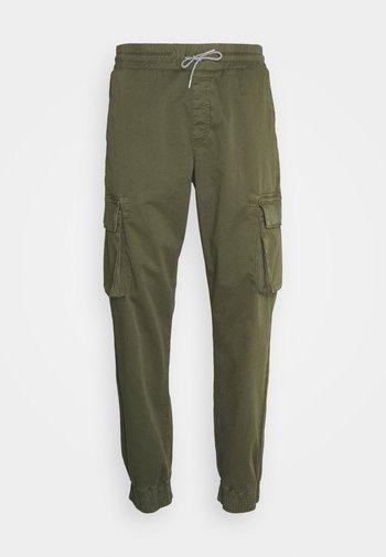 CARGO PANTS - Cargo trousers - dark olive