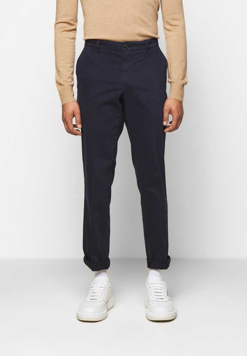Tiger of Sweden - TRUMAN - Trousers - midnight blue