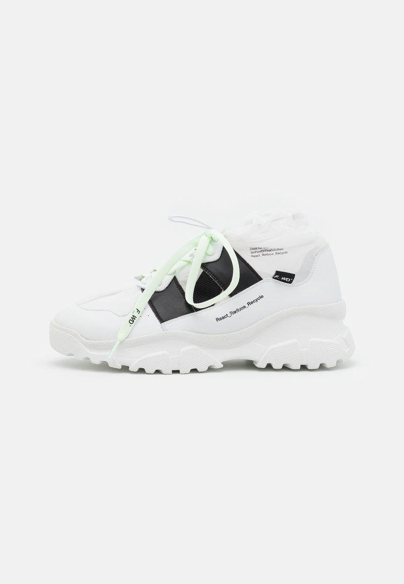 F_WD - XP2_JUNK X - Zapatillas altas - white