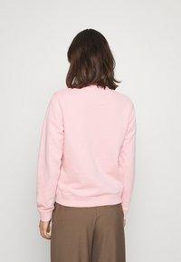 GANT - ARCH LOGO CREW NECK - Sweatshirt - preppy pink - 2