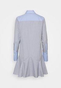 Victoria Victoria Beckham - PATCHWORK FLOUNCE HEM SHIRT DRESS - Shirt dress - navy/white - 7