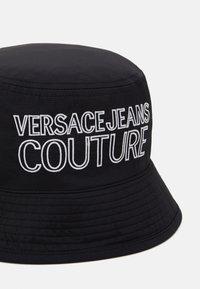 Versace Jeans Couture - UNISEX - Hat - black/white - 5