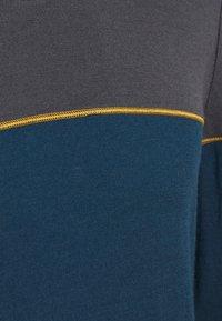 Icebreaker - DELUXE CREWE - Sports shirt - nightfall - 2
