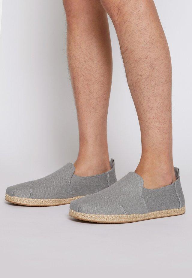 DECONSTRUCTED ALPARGATA ROPE - Espadrilles - drizzle grey