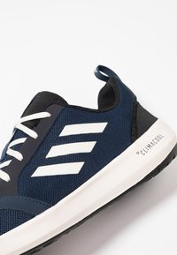 adidas Performance - TERREX BOAT - Zapatillas acuáticas - collegiate navy/white/core black - 5