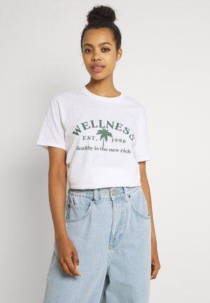 WELLNESS - Print T-shirt - white