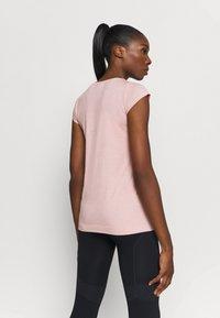 ASICS - RACE SEAMLESS - Camiseta básica - ginger peach - 2