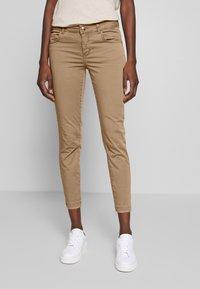Mos Mosh - SUMNER DECOR PANT - Trousers - safari - 0