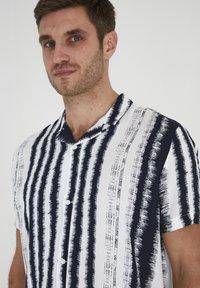 Tailored Originals - Camisa - milky white - 3