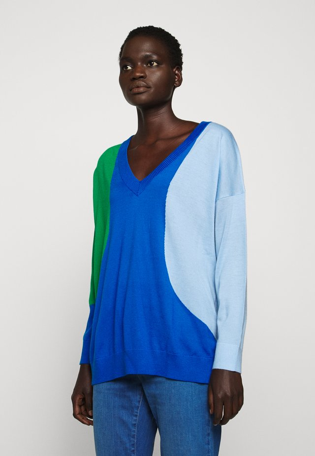 FLASH V NECK - Strikkegenser - royal blue/blue/verde