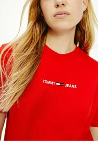 Tommy Jeans - Print T-shirt - red - 0