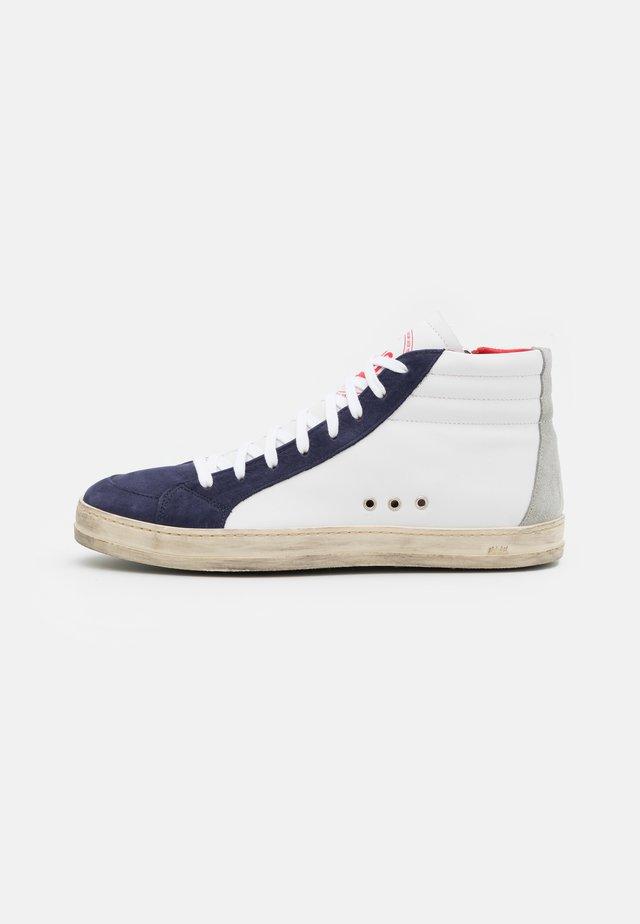 SKATE - Sneakers hoog - rodeo
