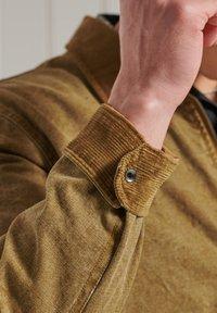 Superdry - Light jacket - tan - 1